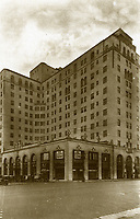 1928 Postcard of the Hollywood Roosevelt Hotel.