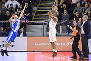 DESCRIZIONE : Roma Lega serie A 2013/14 Acea Virtus Roma Banco Di Sardegna Sassari<br /> GIOCATORE : Phill Goss <br /> CATEGORIA : tiro tre  punti controcampo<br /> SQUADRA : Acea Virtus Roma<br /> EVENTO : Campionato Lega Serie A 2013-2014<br /> GARA : Acea Virtus Roma Banco Di Sardegna Sassari<br /> DATA : 22/12/2013<br /> SPORT : Pallacanestro<br /> AUTORE : Agenzia Ciamillo-Castoria/ManoloGreco<br /> Galleria : Lega Seria A 2013-2014<br /> Fotonotizia : Roma Lega serie A 2013/14 Acea Virtus Roma Banco Di Sardegna Sassari<br /> Predefinita :