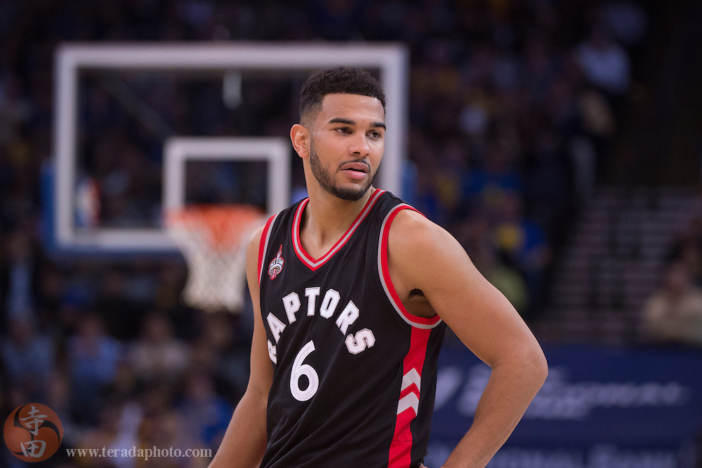 November 17, 2015; Oakland, CA, USA; Toronto Raptors guard Cory Joseph (6) during the third quarter against the Golden State Warriors at Oracle Arena. The Warriors defeated the Raptors 115-110.