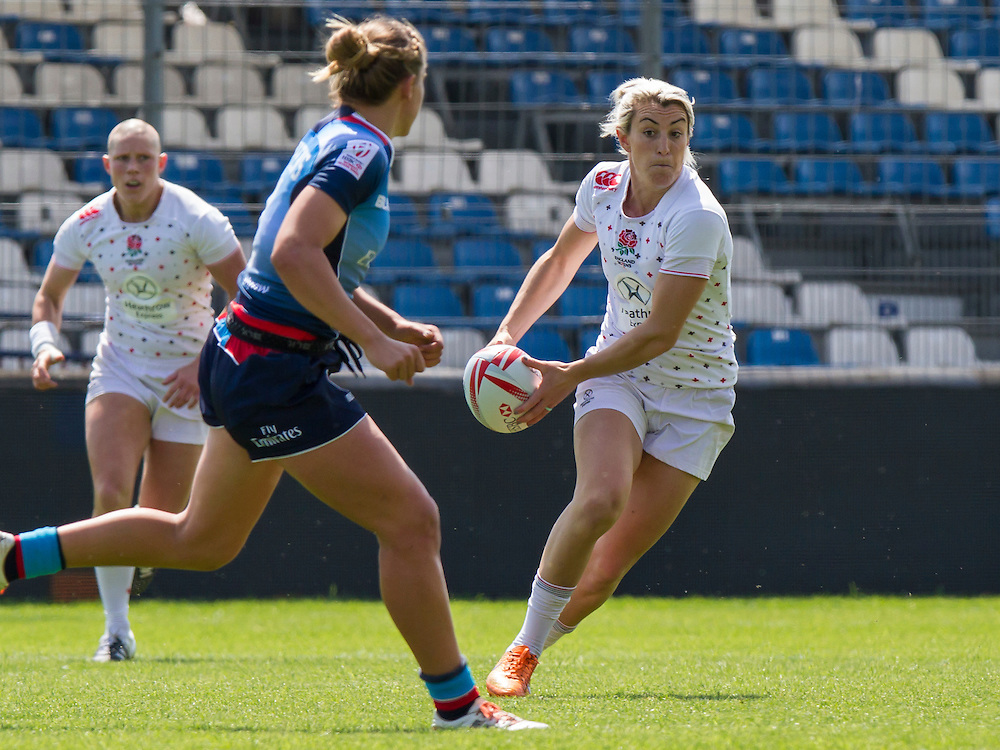 Alice Richardson in action against USA, World Rugby Women's HSBC Sevens Series, Clermont Ferrand, Day 1, at Stade Gabriel Montpied, Clermont Ferrand, France, on 28th May 2016