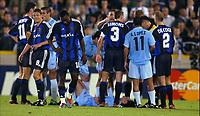 Fotball<br /> UEFA Champions League <br /> 16.09.2003<br /> Brugge / Brügge v Celta Vigo<br /> NORWAY ONLY<br /> Foto: Digitalsport<br /> <br /> BRUGGE BRUGES 16/09/2003 FOOTBALL VOETBAL<br />UEFA CHAMPIONS LEAGUE - GROUP H /<br />CLUB BRUGGE KV - RC CELTA DE VIGO /<br />ANDRES MENDOZA -RED CARD<br />/ PICTURE : VINCENT KALUT & PHILIPPE CROCHET