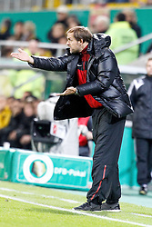 27.10.2010,  Tivoli, Aachen, GER, DFB Pokal, Alemannia Aachen vs Mainz 05, 2. Runde, im Bild: Thomas Tuchel (Trainer Mainz) schreit EXPA Pictures © 2010, PhotoCredit: EXPA/ nph/  Mueller+++++ ATTENTION - OUT OF GER +++++