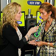 NLD/Naarden/20120307 - Uitriking Sky Radio Powervouwen Awards 2012, Marlayne Sahupala met Danie Bles