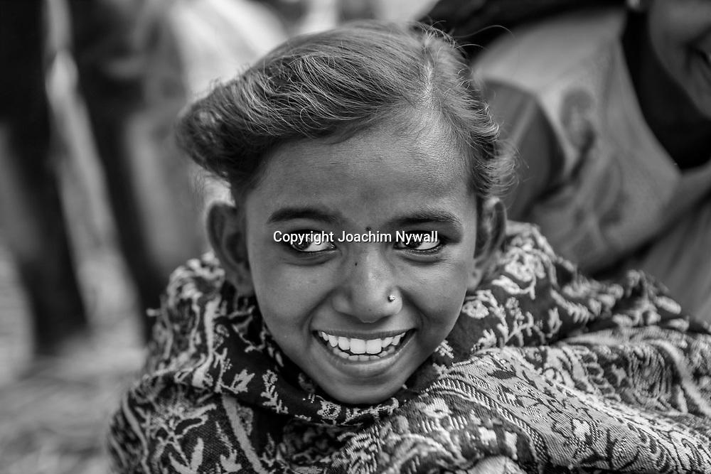 20181104 Sonepur Bihar Indien<br /> Sonepur Mela<br /> Porträtt av en liten flicka<br /> ----<br /> FOTO : JOACHIM NYWALL KOD 0708840825_1<br /> COPYRIGHT JOACHIM NYWALL<br /> <br /> ***BETALBILD***<br /> Redovisas till <br /> NYWALL MEDIA AB<br /> Strandgatan 30<br /> 461 31 Trollhättan<br /> Prislista enl BLF , om inget annat avtalas.