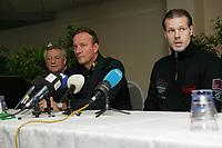 Fotball<br /> Belgia<br /> Foto: PhotoNews/Digitalsport<br /> NORWAY ONLY<br /> <br /> Kjetil Rekdal LEO THYSKENS 22/11/2006 KJETIL REDKAL NIEUWE TRAINER SK LIERSE<br /> <br /> NOUVEL ENTRAINEUR SK LIERSE