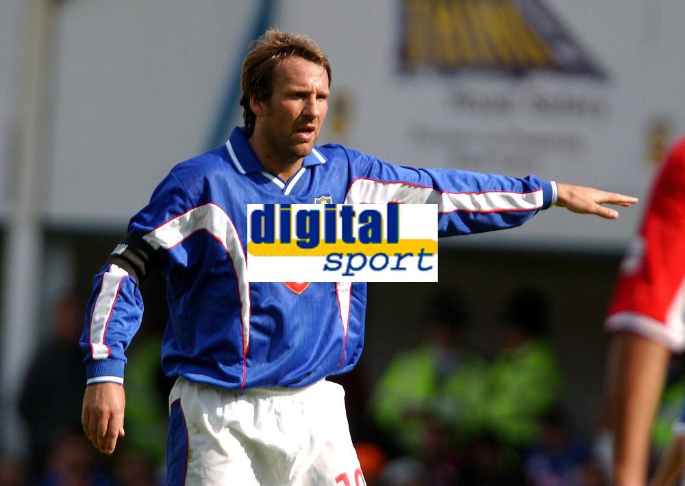 Fotball. Nationwide Divison One. 10.08.2002.<br />Portsmouth v Nottingham Forest 2-0.<br />Paul Merson,  Portsmouth.<br />Foto: Roger Parker, Digitalsport