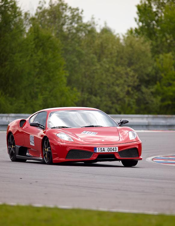 Race days - Ferrari F430 Scuderia curve