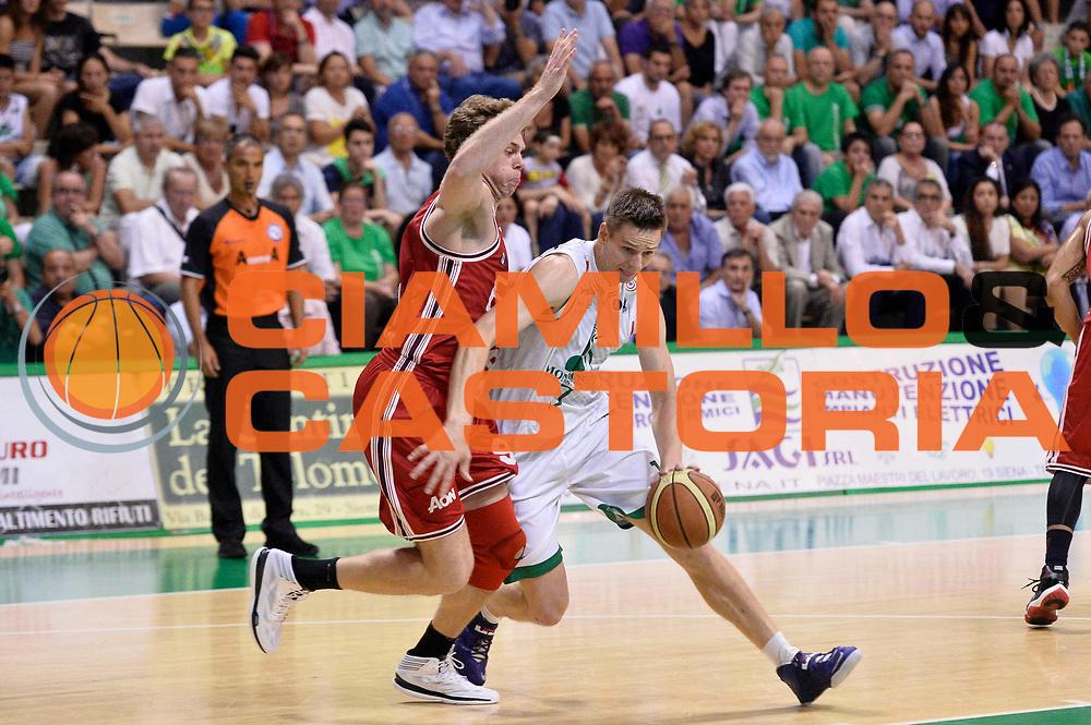 DESCRIZIONE : Siena Lega A 2013-14 Montepaschi Siena vs EA7 Emporio Armani Milano playoff Finale gara 4<br /> GIOCATORE : Spencer Nelson<br /> CATEGORIA : Palleggio Penetrazione<br /> SQUADRA : Montepaschi Siena<br /> EVENTO : Finale gara 4 playoff<br /> GARA : Montepaschi Siena vs EA7 Emporio Armani Milano playoff Finale gara 4<br /> DATA : 21/06/2014<br /> SPORT : Pallacanestro <br /> AUTORE : Agenzia Ciamillo-Castoria/GiulioCiamillo<br /> Galleria : Lega Basket A 2013-2014  <br /> Fotonotizia : Siena Lega A 2013-14 Montepaschi Siena vs EA7 Emporio Armani Milano playoff Finale gara 4<br /> Predefinita :