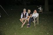 TIM BURKE, GEORGIE HENCKEN AND OLLY CLARIDGE, Rachel Johnson celebratespublication of ' Notting Hell'. Communal Gardens. Ladbroke Grove. London. 4 September 2006. .ONE TIME USE ONLY - DO NOT ARCHIVE  © Copyright Photograph by Dafydd Jones 66 Stockwell Park Rd. London SW9 0DA Tel 020 7733 0108 www.dafjones.com