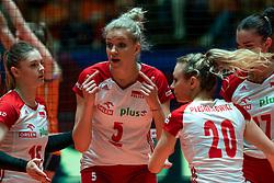 30-05-2019 NED: Volleyball Nations League Netherlands - Poland, Apeldoorn<br /> Agnieszka KakolewskaC #5 of Poland, Martyna Grajber #15 of Poland, /po20