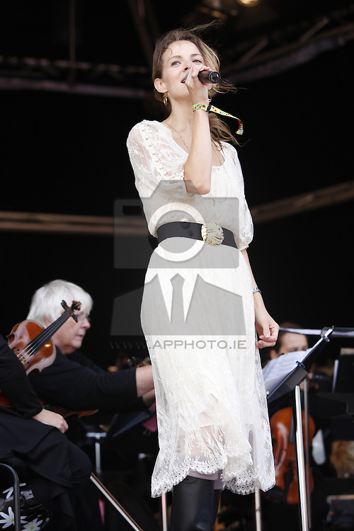 Gemma Hayes singing with the RTE Concert Orchestra at the Electric Picnic 2010. Pic Andres Poveda
