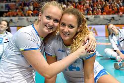 28-09-2015 NED: Volleyball European Championship Polen - Slovenie, Apeldoorn<br /> Polen wint met 3-0 van Slovenie / Monika Potokar, Anja Zdovc<br /> Photo by Ronald Hoogendoorn / Sportida