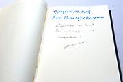 Prins Charles Bonaparte, directe afstammeling van Napoleon Bonaparte bezoekt in Amsterdam de tentoonstelling Alexander, Napoleon & Joséphine in de Hermiage in Amsterdam.<br /> <br /> Prince Charles Bonaparte, direct descendant of Napoleon Bonaparte visited the exhibition in Amsterdam Alexander, Napoleon and Josephine in the Hermiage in Amsterdam<br /> <br /> Op de foto / On the photo: <br /> <br />  De prins tekent het gastenboek bij de Hermitage  //  The prince signs the guest book at the Hermitage