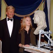 Onthulling wassen beeld Willem-Alexander Madame Tussaud, maakster beeld Maxima