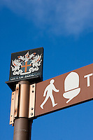 thames path sign and city of london crest