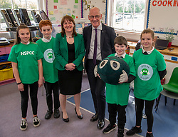 Pictured: Maree Todd and John Swinney studenst from Royal High Primary School<br />