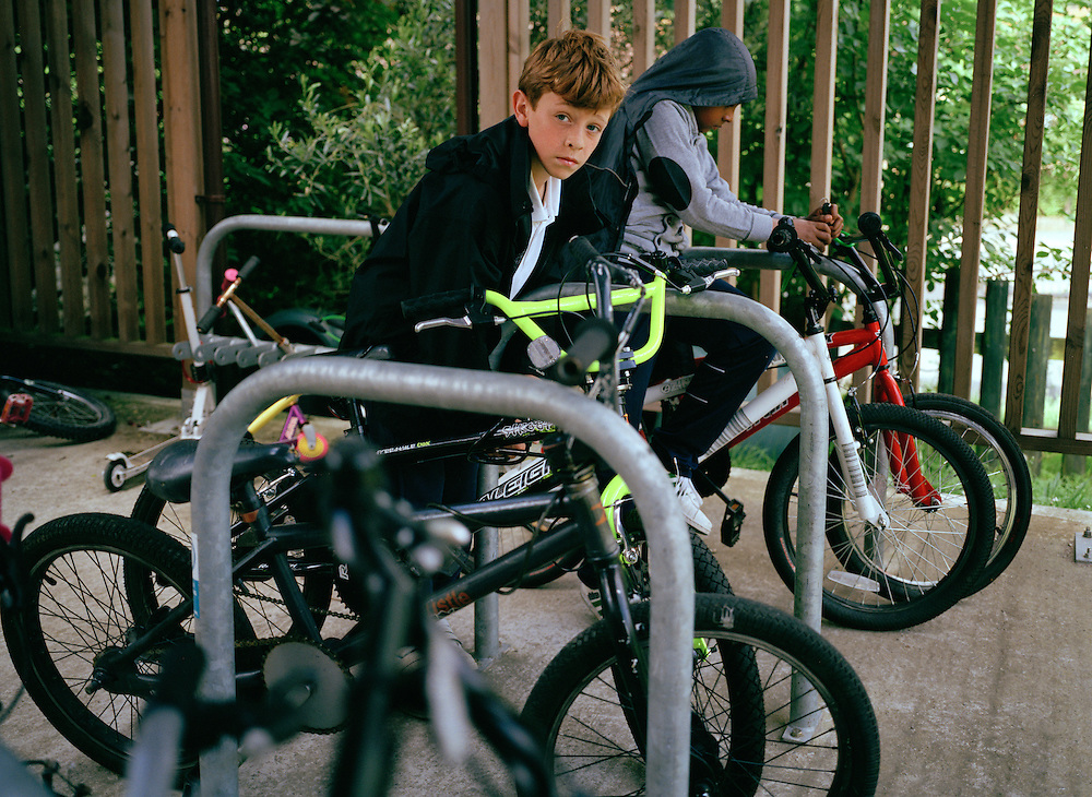 Children, parents and staff of Mouslecombe Primary are all encouraged to use bikes when travelling to school. Incentives such as free maintenance, park excursions, and smoothies upon arrival are all offered to those that ride in. A deluxe wooden storage shed provides security.