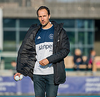 AMSTELVEEN - assistent-coach Karel Klaver (Pinoke) voor de competitie hoofdklasse hockeywedstrijd dames, Pinoke-SCHC (1-8) . COPYRIGHT KOEN SUYK