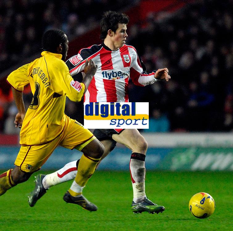 Photo: Alan Crowhurst.<br />Southampton v Burnley. Coca Cola Championship. 13/01/2007. Saints' Gareth Bale on the attack.