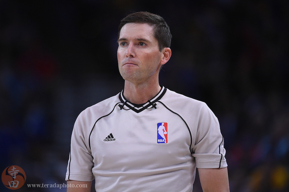 November 5, 2014; Oakland, CA, USA; NBA referee Ben Taylor (46) during the third quarter between the Golden State Warriors and the Los Angeles Clippers at Oracle Arena. The Warriors defeated the Clippers 121-104.