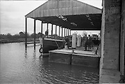 06-10/04/1964.04/06-10/1964.06-10 April 1964.Views on the River Shannon. The K.line Boats floating Shell service station at Shannon Harbour, Co. Offaly.
