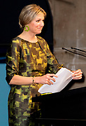 """Koningin Maxima houdt woensdag 20 april de openingstoespraak bij het tweedaagse symposium 'The Netherlands-OECD Global Symposium on Financial Resilience Throughout Life' in de Beurs van Berlage in Amsterdam. Deze conferentie is een initiatief van het International Network on Financial Education (INFE) van de Organisatie voor Economische Samenwerking en Ontwikkeling (OESO) en platform Wijzer in geldzaken. <br /> <br /> Queen Maxima hold Wednesday, April 20 the opening speech at the two-day symposium """"The Netherlands-OECD Global Symposium on Financial Resilience Throughout Life 'at the Beurs van Berlage in Amsterdam. This conference is an initiative of the International Network on Financial Education (INFE) of the Organisation for Economic Co-operation and Development (OECD) and platform Wiser in money matters. <br /> <br /> Op de foto / On the Photo:  Koningin Maxima tijdens haar openingsspeech in de Beurs van Berlage / Queen Maxima during her opening speech at the Beurs van Berlage"""
