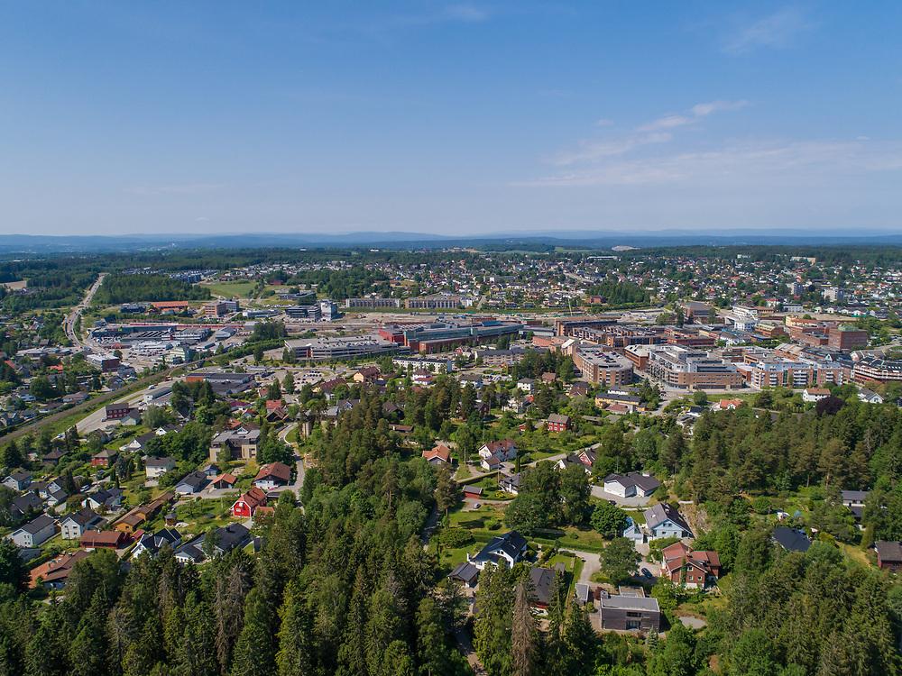 Oversiktsbilde som viser tettstedet/byen Ski i Ski kommune.
