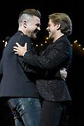 Het 5 jarig jubileumconcert van Holland Zingt Hazes in de Amsterdamse Ziggo Dome.<br /> <br /> Op de foto:  Johnny de Mol en Andre Hazes Jr.