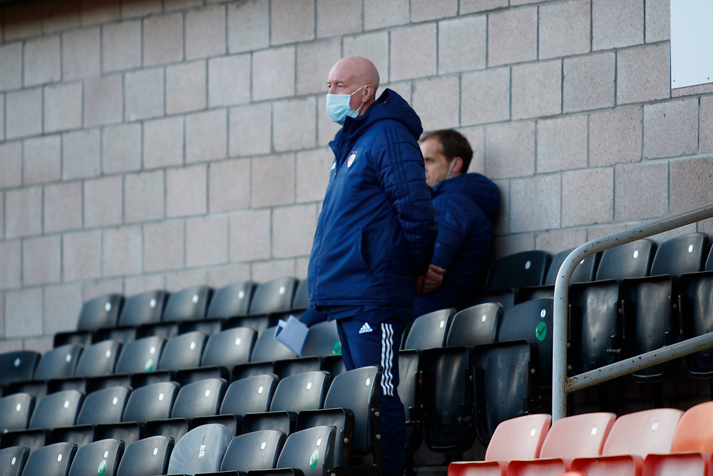 DUNDEE, SCOTLAND, MARCH 20, 2020:  Dundee Utd V Aberdeen FC Ladbrokes SPFL Premiership fixture at Tannadice Park, Dundee.<br /> <br /> Pictured: Neil Simpson (Aberdeen FC Coach) watching from the stands<br /> <br /> <br /> (Photo: Newsline Media)
