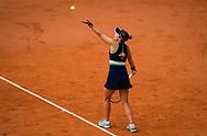 Nadia Podoroska of Argentina in action against Iga Swiatek of Poland during the semi-final of the Roland Garros 2020, Grand Slam tennis tournament, on October 8, 2020 at Roland Garros stadium in Paris, France - Photo Rob Prange / Spain ProSportsImages / DPPI / ProSportsImages / DPPI