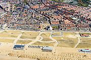 Nederland, Zuid-Holland, Katwijk, 28-04-2017; Kustwerk Katwijk,  kunstmatig versterkte duinenrij. Aanleg van dijk-in-duin-waterkering, een dijk in combinatie met een ondergrondse parkeergarage in de duinenrij. Kust bij Katwijk was de laatste zwakke schakel van de Zuid-Hollandse kust.<br /> Coastal work Katwijk, artificially fortified dune row. Construction of dike-in-dune dam, a dike in combination with an underground parking garage in the dunes.<br /> <br /> luchtfoto (toeslag op standard tarieven);<br /> aerial photo (additional fee required);<br /> copyright foto/photo Siebe Swart