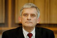 03.02.1998, BONN/GERMANY:<br /> Jerzy Buzek, Ministerpräsident Polen, Pressekonferenz vor der Bundespressekonferenz<br /> IMAGE: 19980203-01/01-27