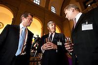 23 MAR 2009, BERLIN/GERMANY:<br /> Karl-Theodor zu Guttenberg (L), CSU, Bundeswirtschaftsminister, Dr. Josef Ackermann (M), Vorstandsvorsitzender Group Executive Committee Deutsche Bank AG, und Andreas Schmitz (R), Vorstandssprecher HSBC Trinkhaus, im Gespraech, Empfang des Bundesverbandes Deutscher Banken anl. der Delegiertenversammlung und des Praesidentenwechsels, Bode-Museum<br /> IMAGE: 20090323-02-017<br /> KEYWORDS: Bankenverband