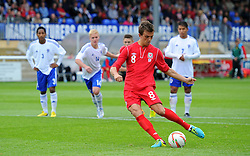 14.08.2013, Nantporth Stadion, Bangor, WAL, UEFA U21 Europameisterschaft Qualifikation, Wales vs Finnland, Gruppe 1, im Bild Wales' Jake Casssidy scores Wales' only goal in there 5-1 loss to Finland during the UEFA U21 Championship 2015 Group 1 match at Nantporth Stadium during the UEFA U21 championchip qualification group 1 match between Wales and Finland at the Nantporth stadium in Bangor, Wales on 2013/08/14. EXPA Pictures © 2013, PhotoCredit: EXPA/ Propagandaphoto/ Dave Richards<br /> <br /> ***** ATTENTION - OUT OF ENG, GBR, UK *****