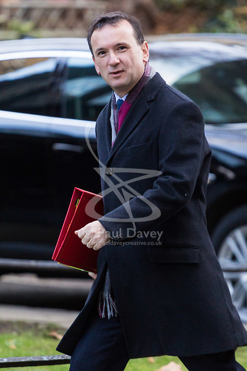 London, December 19 2017. Secretary of State for Wales Alun Cairns arrives at 10 Downing Street for the last cabinet meeting before the Christmas break. © Paul Davey