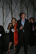 Georgia Oetker and Damian Lewis. Almeida 25th Anniversay Gala. Gagosian Gallery, Brittania St. Kings Cross. London. 27 January 2005. ONE TIME USE ONLY - DO NOT ARCHIVE  © Copyright Photograph by Dafydd Jones 66 Stockwell Park Rd. London SW9 0DA Tel 020 7733 0108 www.dafjones.com