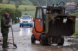 02.06.2013, B311, Hoegmoos, AUT, Pinzgau starke Regenfaelle, im Bild ein Wasserrettungsfahrzeug beim Murenabgang an der B311 bei Hoegmoos. Die Strasse wurde fuer den Verkehr gesperrt. Starkregen sorgt derzeit vor allem in Tirol, Oberoesterreich und Salzburg für massive Überflutungen, Vermurungen und Hangrutsche // Parts of Pinzgau were declared a disaster area. Heavy rain is currently making, especially in Tyrol, Upper Austria and Salzburg for massive flooding, mudslides and landslides, Hoegmoos, Austria on 2013/06/02. EXPA Pictures © 2012, PhotoCredit: EXPA/ Juergen Feichter