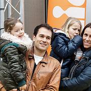 NLD/Amsterdam/20150125 - Premiere Spongebob in 3D - Sponge op het Droge, Edgar Wufbain, partner Anouk en kinderen