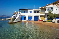 Grece, Cyclades, ile de Milos, village de pecheur de Fourkovouni // Greece, Cyclades islands, Milos, Fourkovouni, fisher village