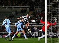 Photo: Andrew Unwin.<br /> Newcastle United v Celta Vigo. UEFA Cup. 23/11/2006.<br /> Newcastle's Antoine Sibierski (C) equalises for his team.