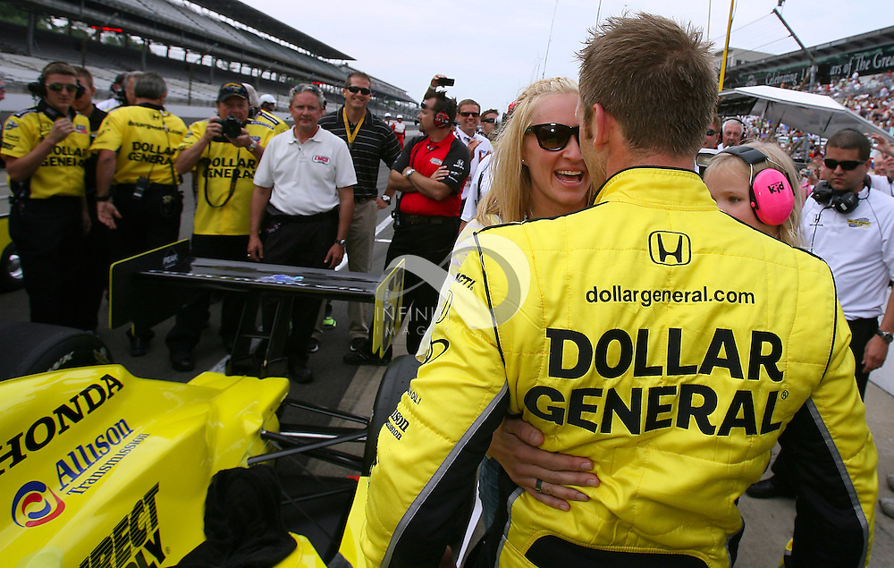 Dollar General and Fuzzy's Ultra Premium Vodka driver Ed Carpenter and team at the Indianapolis Motor Speedway..Photo by Brian Spurlock, Infiniti Images IZOD IndyCar series