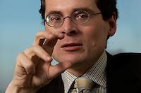 10 JAN 2005, BERLIN/GERMANY:<br /> Roger Koeppel, Chefredakteur der Tageszeitung Die Welt, waehrend einem Interview, in seinem Buero, Axel-Springer-Haus<br /> IMAGE: 20050110-02-057<br /> KEYWORDS: Roger Köppel