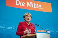 20 NOV 2016, BERLIN/GERMANY:<br /> Angela Merkel, CDU, Bundeskanzlerin, Pressekonferenz mit Bekanntgabe Ihrer erneuten Kandidatur fuer das Amt der Bundeskanzlerin, Klausurtagung des CDU-Bundesvorstandes, Konrad-Adenauer-Haus<br /> IMAGE: 20161120-01-011
