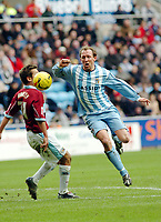 Photo: Kevin Poolman.<br />Coventry City v Burnley. Coca Cola Championship. 25/02/2006. Coventry's Andy Morrell (R) gets Past Jon Harley.