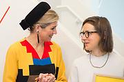 Koningin Maxima is aanwezig bij de uitreiking van de Prix de Rome 2015, de oudste prijs in Nederland voor beeldend kunstenaars onder de 40 jaar. <br /> <br /> Queen Maxima attends the presentation of the Prix de Rome in 2015, the oldest prize in the Netherlands for artists under 40 years.<br /> <br /> Op de foto / On the photo:  Koningin Maxima en de winnaar van de Prix de Rome 2015 ,  Magali Reus ///// Queen Maxima and the winner of the Prix de Rome in 2015, Magali Reus