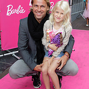 NLD/Amsterdam/20120909- Filmpremiere Barbie, John Ewbank met dochter Day