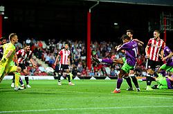 Bobby Reid of Bristol City scores late in the game to make it 2-2 - Mandatory by-line: Dougie Allward/JMP - 15/08/2017 - FOOTBALL - Griffin Park - Brentford, England - Brentford v Bristol City - Sky Bet Championship