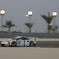 #92, Porsche 911 RSR, Porsche Team Manthey, driven by Patrick Pilet, Frederic Makowiecki, FIA WEC 6 Hours of Bahrain, 19/11/2015 (FP1)