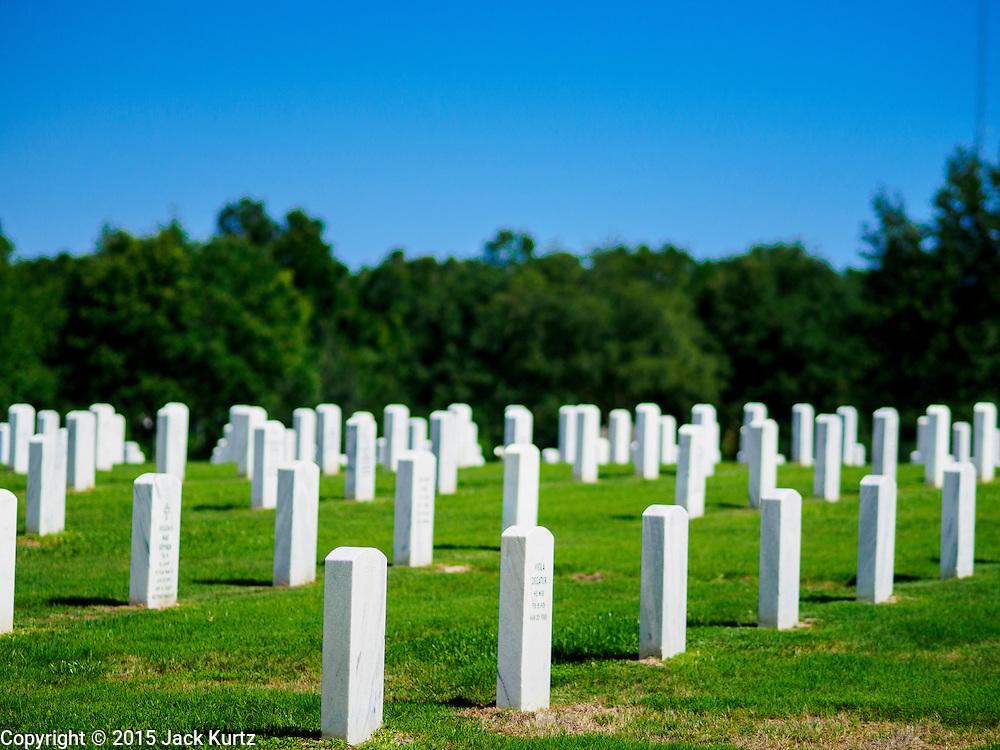 01 MAY 2015 - BUSHNELL, FL: The Florida National Cemetery near Bushnell, Florida.   PHOTO BY JACK KURTZ