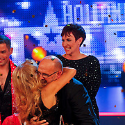 NLD/Hilversum/20100910 - Finale Holland's got Talent 2010, Patricia Paay omhelst Martin Hurkens